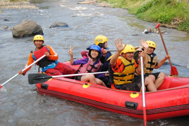 Outbound Malang Paket Rafting Kediri