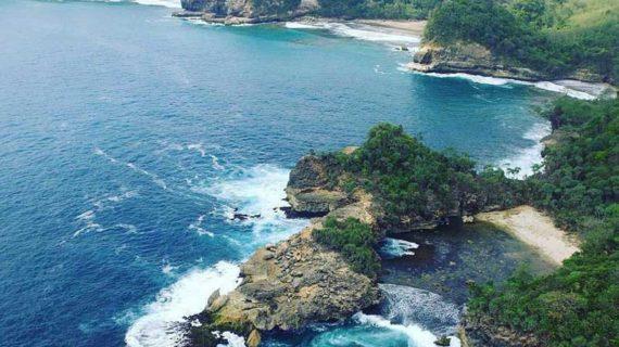 Cantiknya Wisata Pantai Di Malang Selatan